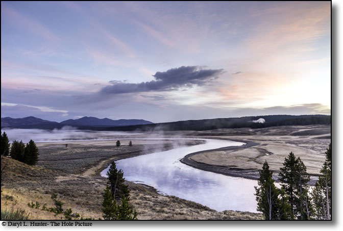 Hayden Valley Sunrise, Yellowstone river winding, Yellowstone National park